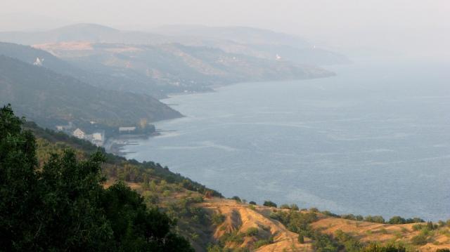 Southern Crimea shore © Leszek Kozlowski